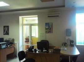 Сдам офис в центре города с ремонтом и мебелью.Мстиславская